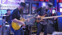 2019_06_10 CBS Jam at Quaker Steak with Amrstong Bearcats P1170705